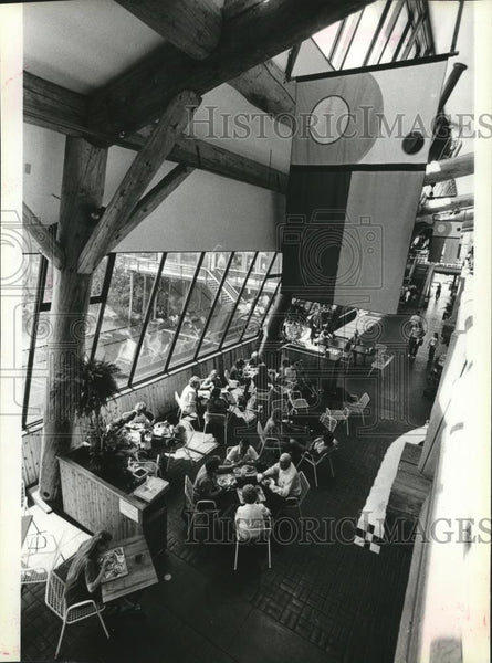 1988 Press Photo Idaho Sandpoint Cedar St Bridge Public Market - spa52811 - Historic Images
