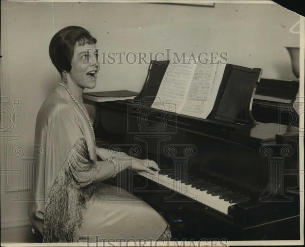1926 Press Photo New York Mrs. Helen Lee Simonson Opera Soprano Singer NYC - Historic Images