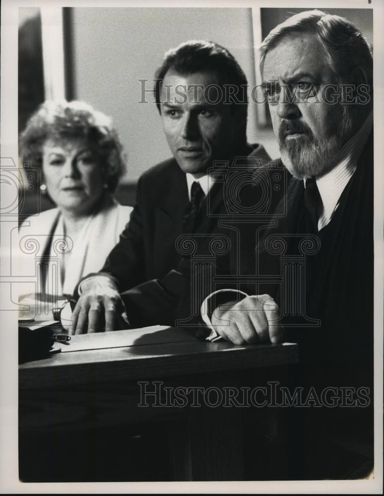 1991 Press Photo Barbara Hale Michael Nader Raymond Burr In Perry