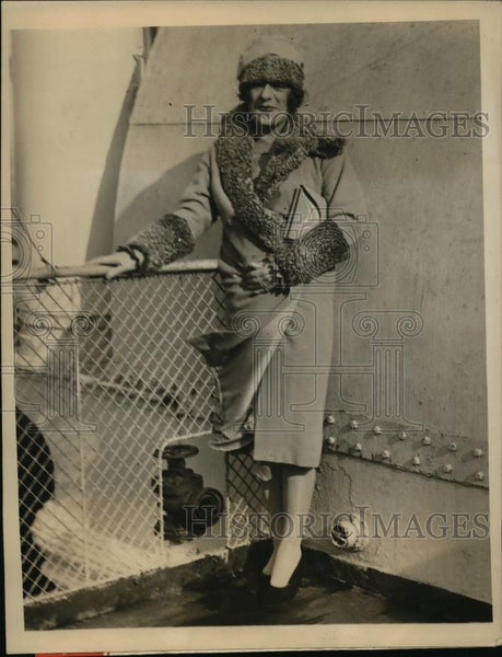 1927 Press Photo New York Many Notables Arrive on S.S. Berengaria NYC - Historic Images