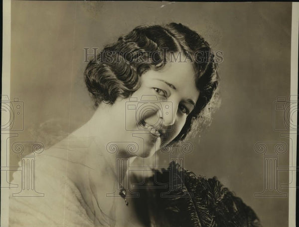 1921 Press Photo New York White Studio Photo of Maude McCullough in Eileen NYC - Historic Images