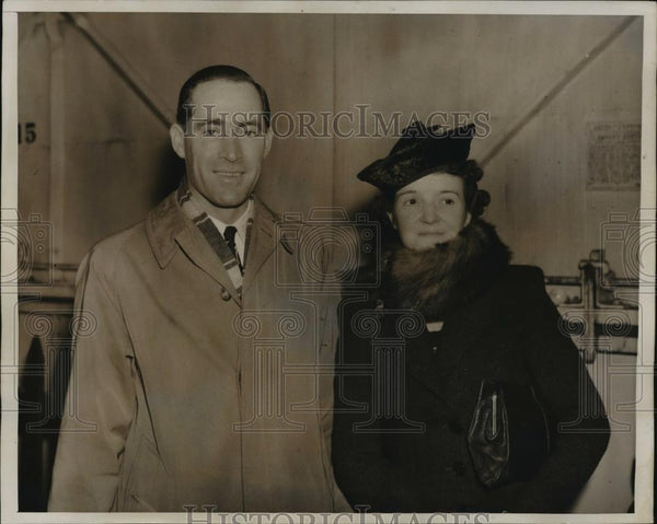 1940 Press Photo Mr & Mrs Charles Bridgwood aboard SS Georgic  - neny17987 - Historic Images