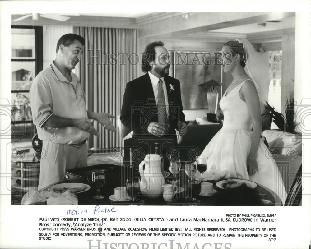 Robert De Niro Billy Crystal And Lisa Kudrow In Analyze This 1999 Vintage Press Photo Print Historic Images