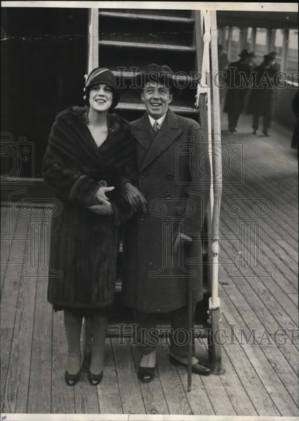 1928 Press Photo New York Arrivals Count Folke and Estelle Manville NYC - Historic Images
