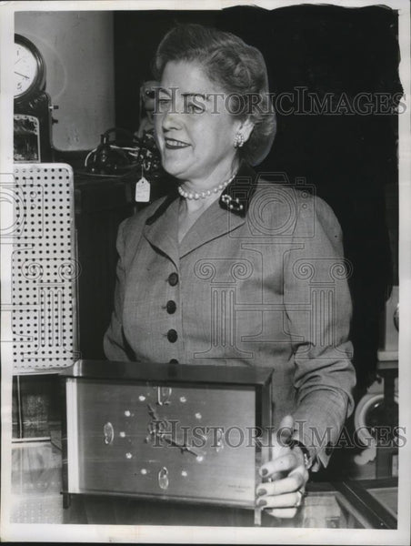 1956 Press Photo Helen Foody May Company Buyer Jewelry Clocks - neo09249 - Historic Images