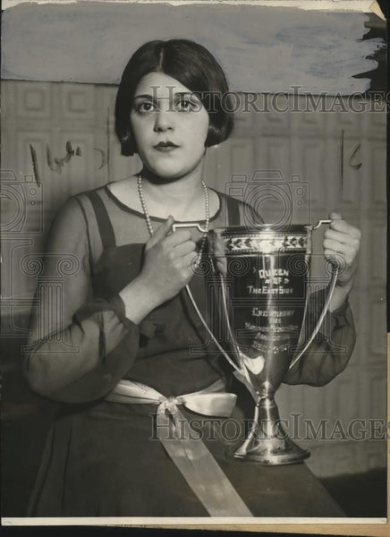 1925 Press Photo Mildred Siegel Elected Queen of East Side, Palm Garden - Historic Images