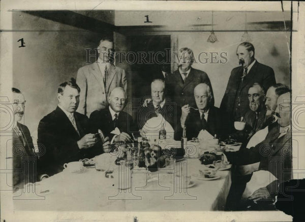 1911 Press Photo McNamara Jury eating under guard, Edward Lupton, Frank Cochran - Historic Images