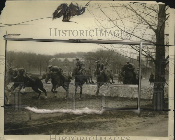 1925 Press Photo Daily Horse Riding Class at US Military Academy in West Point - Historic Images