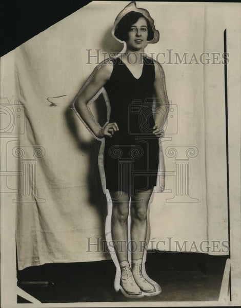 1926 Press Photo A woman models a swim suit at a show - neo23221 - Historic Images
