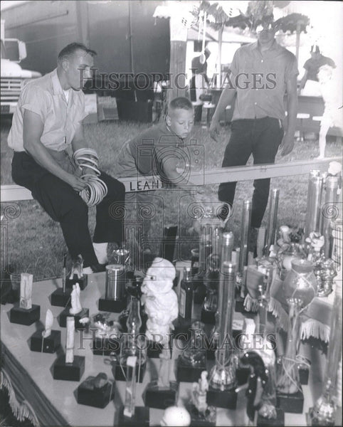 1964 Press Photo county fair games - Historic Images