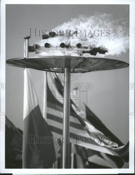 1984 Press Photo Olympic Games Olympic Flame - Historic Images