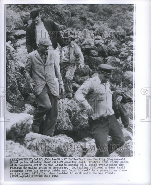 1960 Press Photo Dr Linus Pauling Nobel chemist rescued - Historic Images