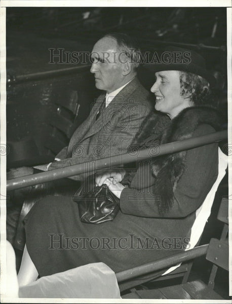 1941 Press Photo Mr. Mrs. John J O'Brien Briggs Stadium - Historic Images