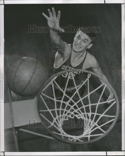 1951 Press Photo Detroit Swanson Basketball - Historic Images