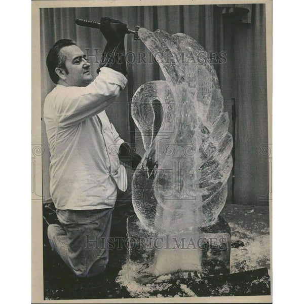 1970 Press Photo Ice sculpture Raw Material