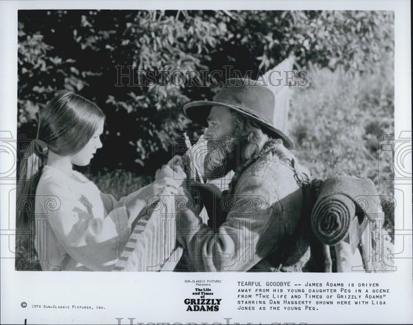 "1974 Press Photo Dan Haggerty, Lisa Jones ""The Life and Times of Grizzly Adams"" - Historic Images"