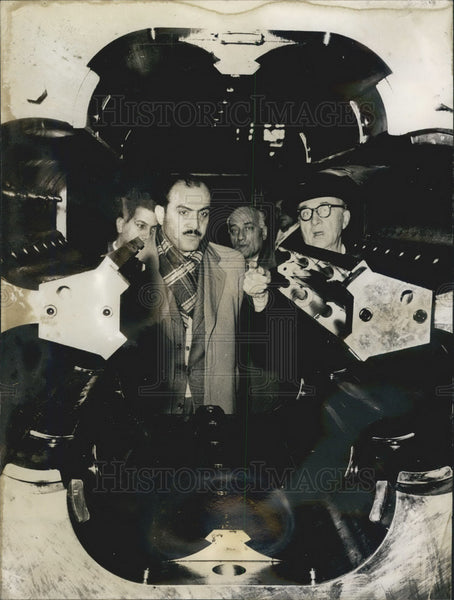Press Photo Hassan Ibrahim Egyptian production minister tour Germany - KSB08435 - Historic Images