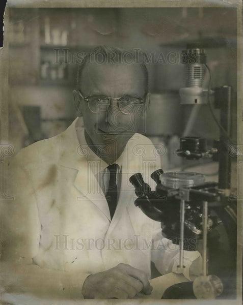 Press Photo Dr Robert W. Holley Nobel laureate Physiology Medicine Salk - Historic Images
