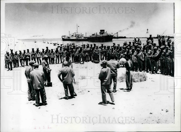 1958 Press Photo Egyptian Youth Labor Teams Ready To Widen Suez Canal - Historic Images