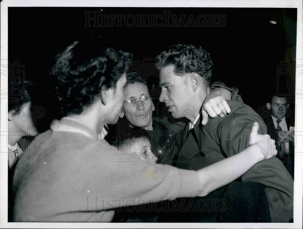 1956 Press Photo Aaron Wilson,Returning Korean POW - KSB30121 - Historic Images