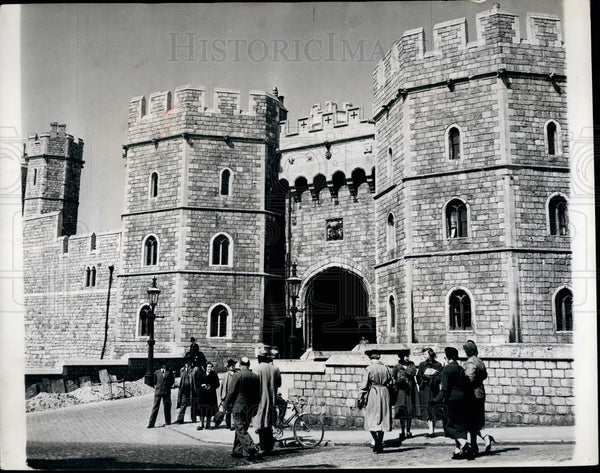 Press Photo The Castle entrance to the Royal Chapel - Historic Images