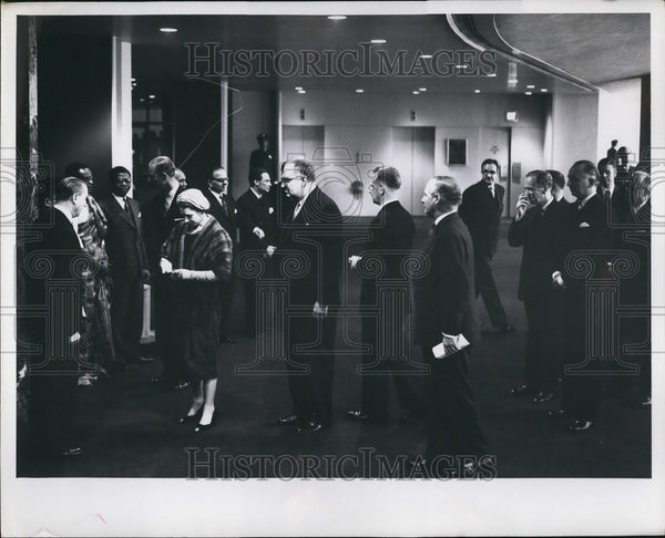 Press Photo Queen Elizabeth II - Historic Images