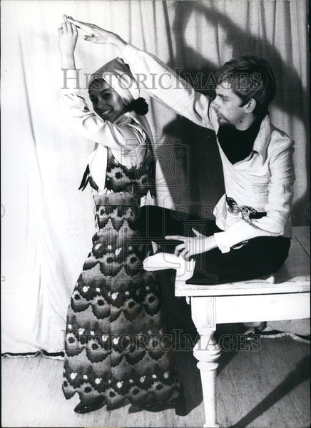 1971 Press Photo Design by Reinhard Hellmann is Munich's Youngest Couturier - Historic Images