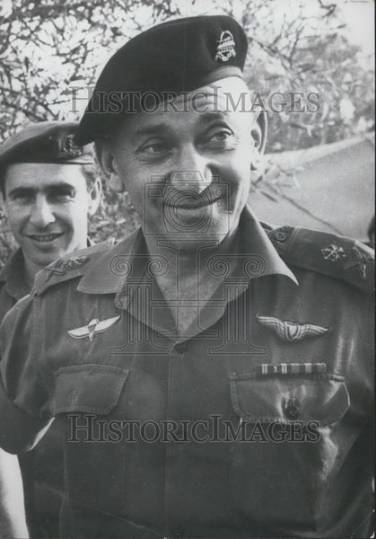 1967 Press Photo New Israeli Army Chief of Staff General Haim Bar Lev - Historic Images