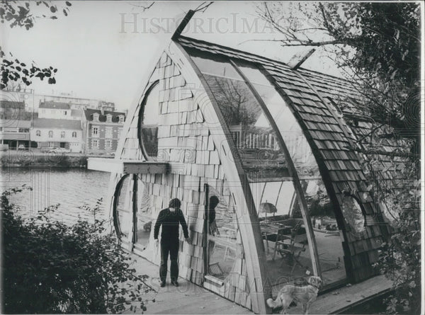 1981 Floating House on the Erdre River - Historic Images