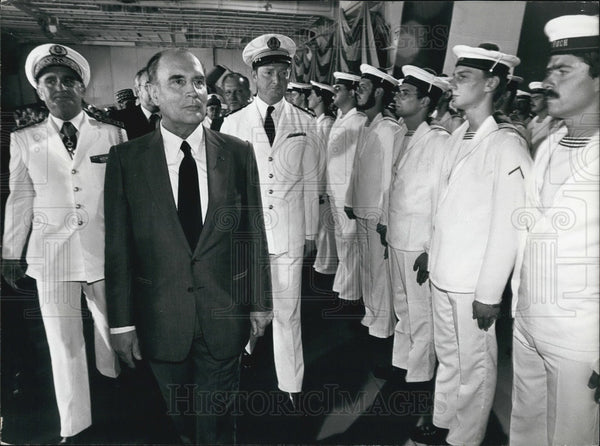 Press Photo President Mitterand Reviewing the Naval Troops in Toulon - Historic Images