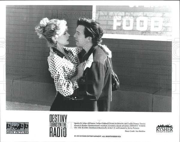 1995 Press Photo Destiny Turns On The Radio Film Dylan McDermott Nancy Travis