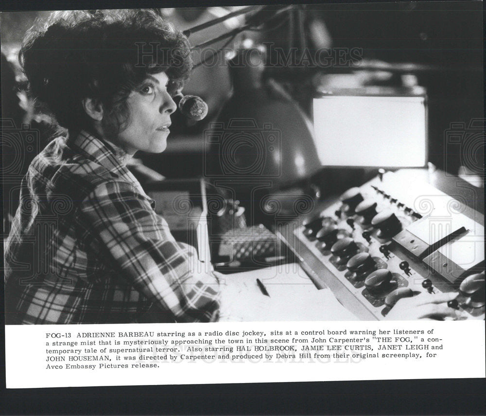"Press Photo Adrienne Barbeau As A Radio Disc Jockey In ""The Fog"" - Historic Images"
