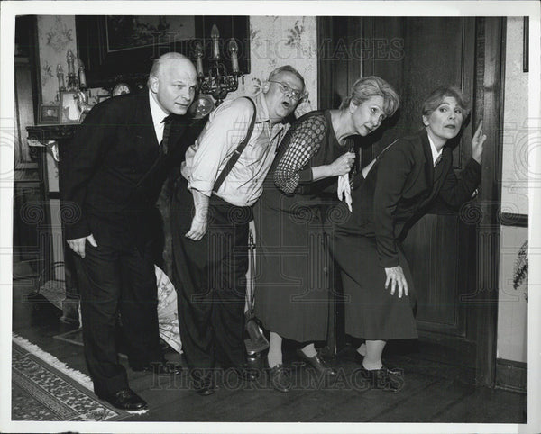 1934 Press Photo Comedy Post Road with Greg Olszewski, Louise DiVitto, and Nina - Historic Images
