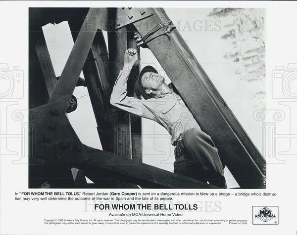 "1940 Press Photo Scene in ""For Whom the Bell Tolls"" with Gary Cooper - Historic Images"