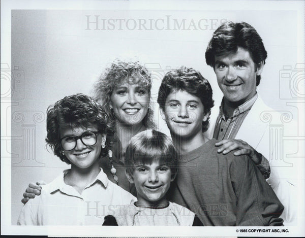 Press Photo Growing Pains TV Series Cast Actor Alan Thicke and Joanna Kerns - Historic Images