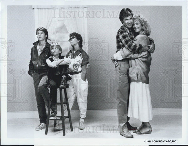Press Photo Growing Pains Cast Allan Thicke Joanna Kerns as Jason & Maggie - Historic Images