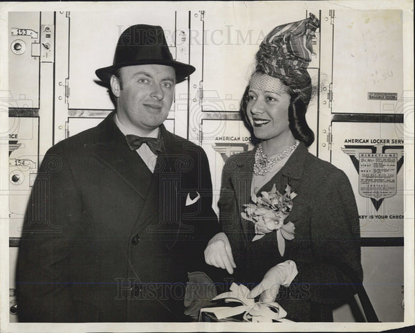 1940 Press Photo Lily Pons And Andre Kostelanetz At NW Chgo Station For Concert - Historic Images