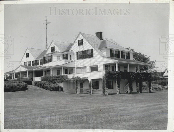 1957 Press Photo Residence of Joseph Kennedy in Hyannis Port, Mass - Historic Images