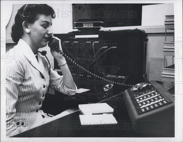 1957 Press Photo Woman Working Telephone Switchboard - Historic Images