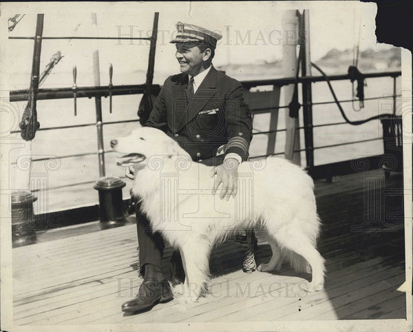 1925 Press Photo Capt Adolphus Andrews and white collie dog - Historic Images