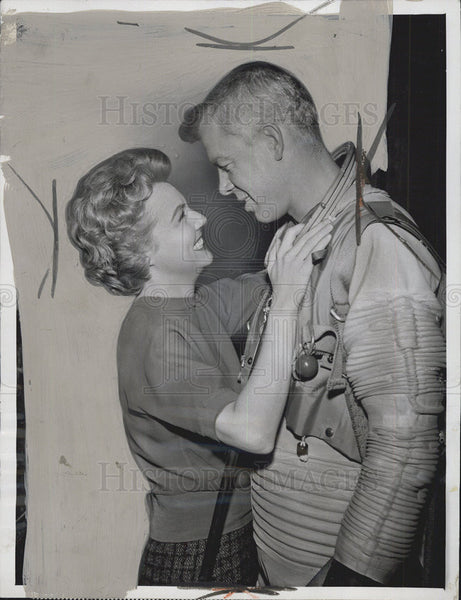 1959 Press Photo Actress Peggy McCay and Actor Lee Marvin - Historic Images