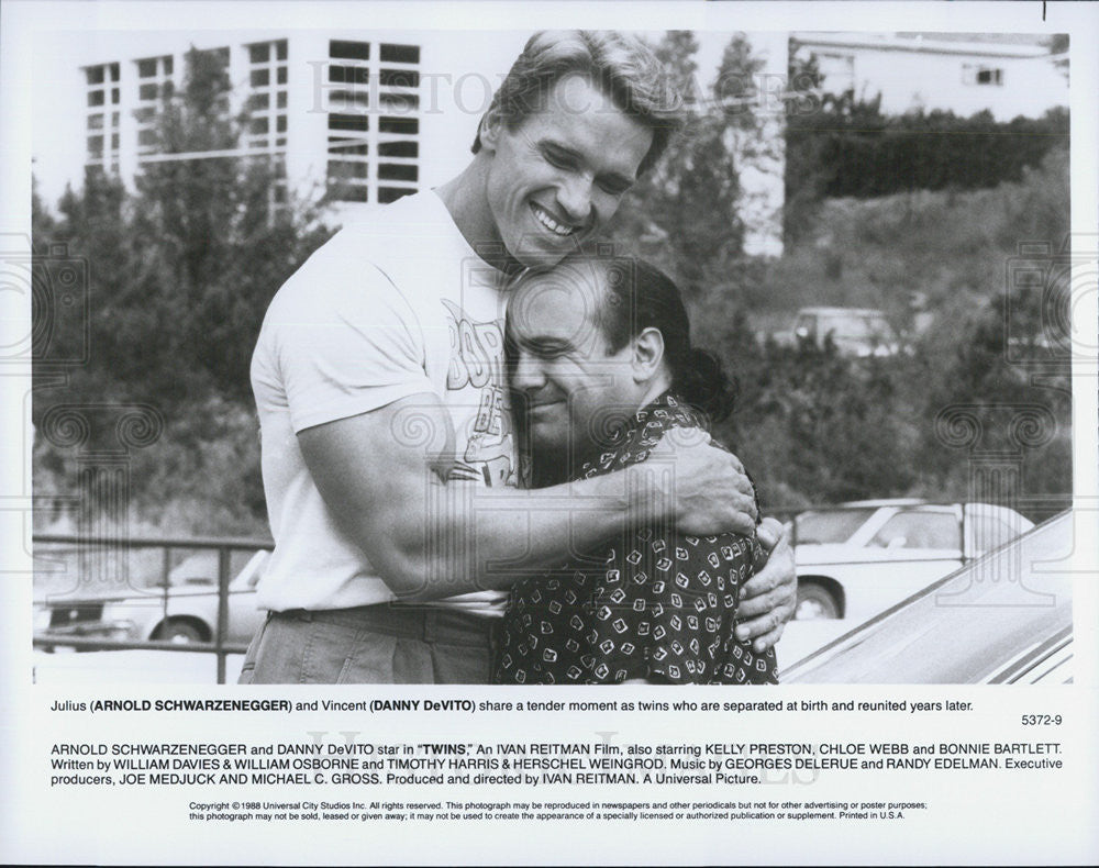Arnold Schwarzenegger Danny Devito Actors Twins 1988 Vintage Promo Photo Print Historic Images