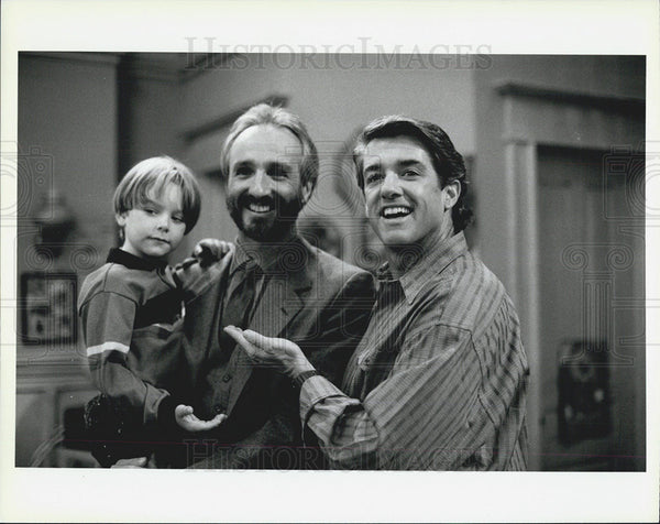 Press Photo An Extended Family Michael Gross Brian Bosnall Film Actor - Historic Images