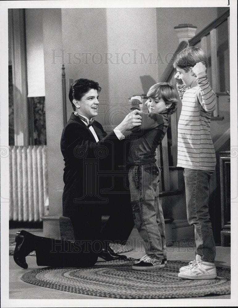"1990 Press Photo Pictured is a scene from NBC's comedy, ""The Hogan Family."" - Historic Images"