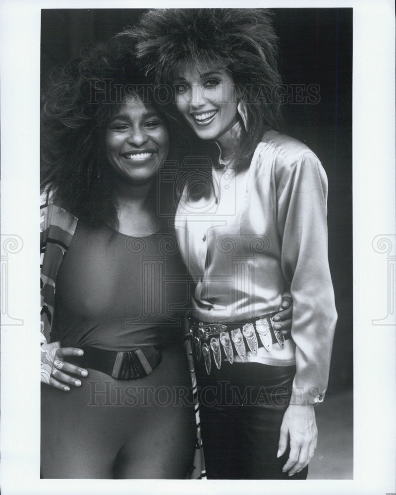 "1990 Press Photo Chaka Kahn & Stephaine Kramer in ""Hunter"" - Historic Images"
