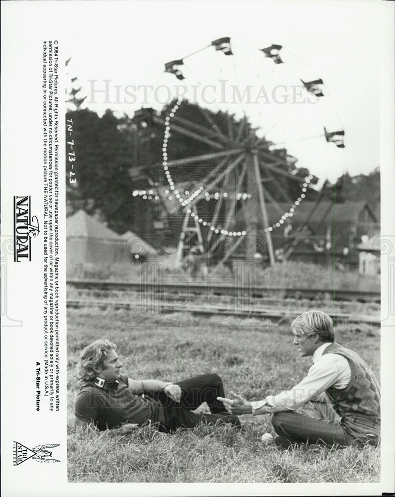 "1984 Press Photo ""The Natural"" director Barry Levinson and Robert Redford on set - Historic Images"