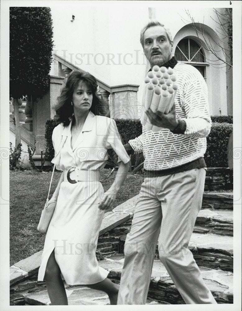 "1986 Press Photo Hal Linden & Doran Clark star in ""Blacke's Magic"" - Historic Images"