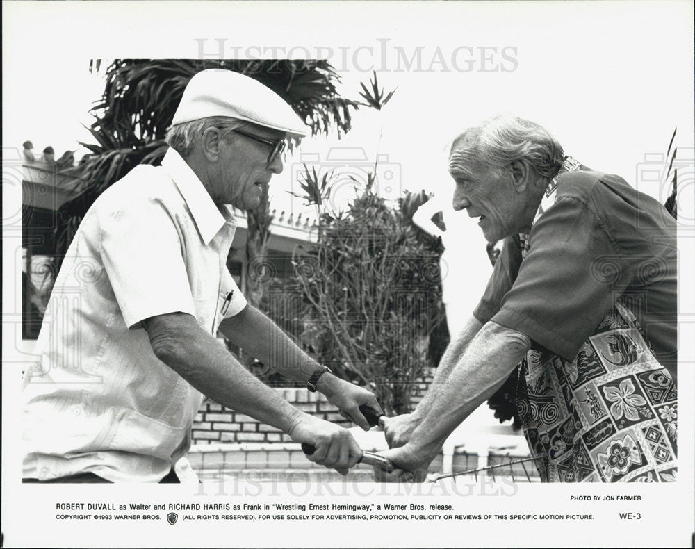 "1993 Press Photo Robert Duvall stars as Walter in ""Wrestling Ernest Hemingway."" - Historic Images"