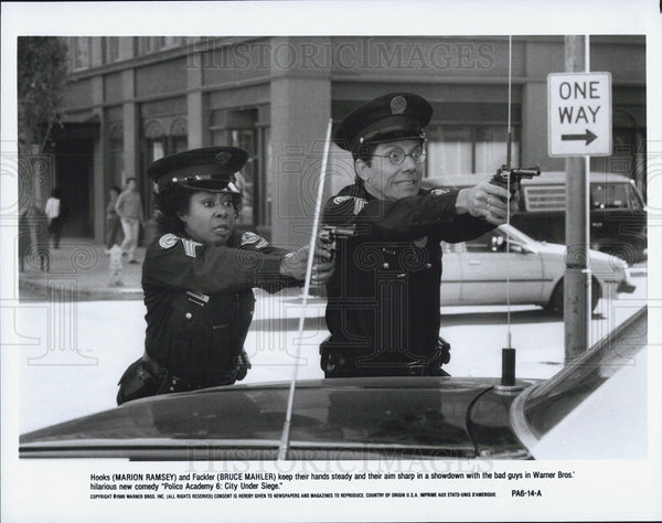 Press Photo Marion Ramsey and Bruce Mahler in Police Academy 6: City Under Siege - Historic Images