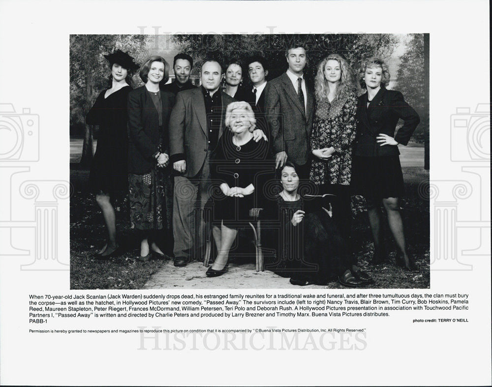 "1992 Press Photo Cast of ""Passed Away"" - Historic Images"
